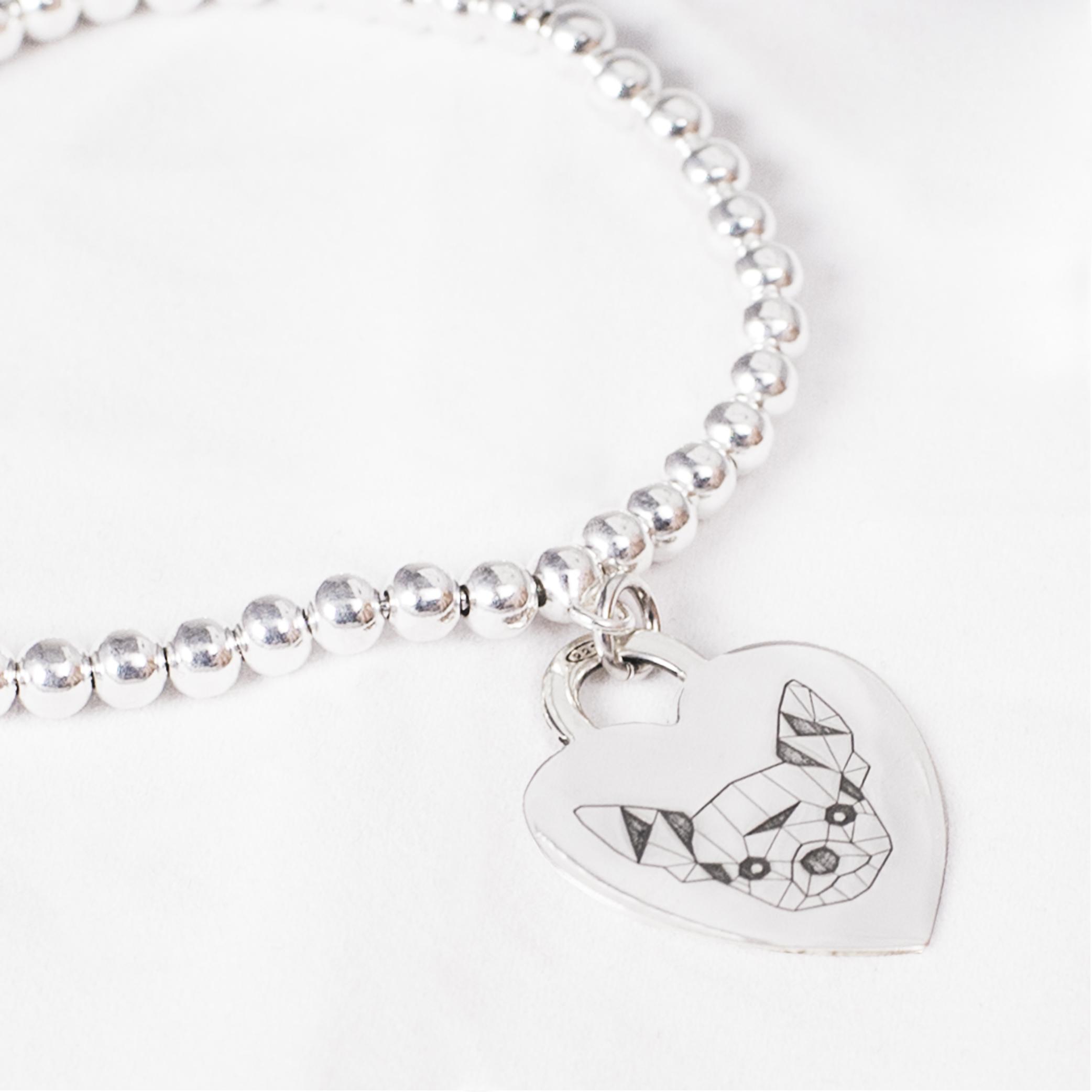 Bracciale con medaglietta cuore in argento con Chihuahua